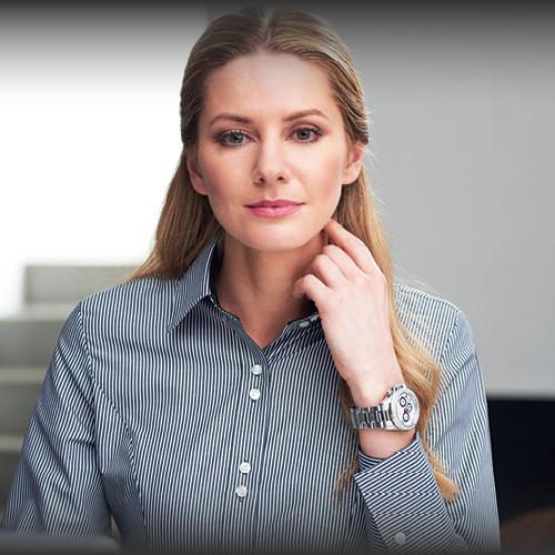 Completi donna: giacca e pantalone, gonna e vestiti per divise da lavoro eleganti e abbigliamento professionale