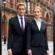 Giacca da divisa donna elegante, due bottoni, vestibilità slim fit, completo con pantalone, colore nero, tessuto lana poliestere lycra, trattamento antimacchia